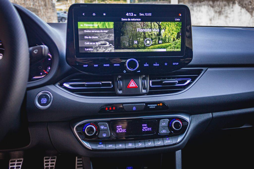 O Hyundai i30 recebeu uma nova cara e tornou-se mais desportivo com as versões N-line